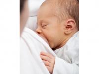 Breastfeeding Photo Is Back On Facebook News Feed